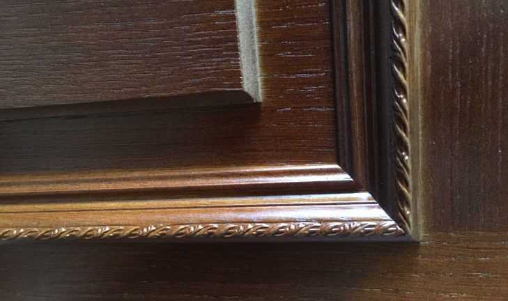 Покраска двери из шпона дуба