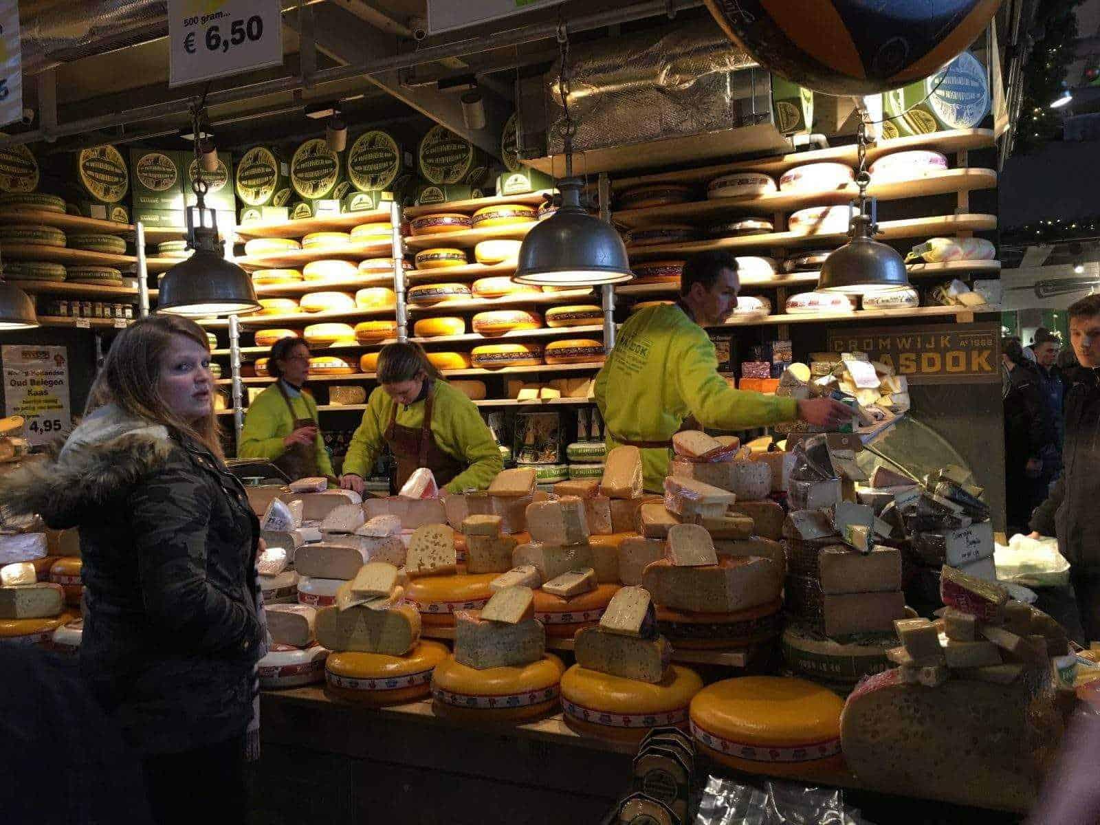 Сырный магазин общий вид