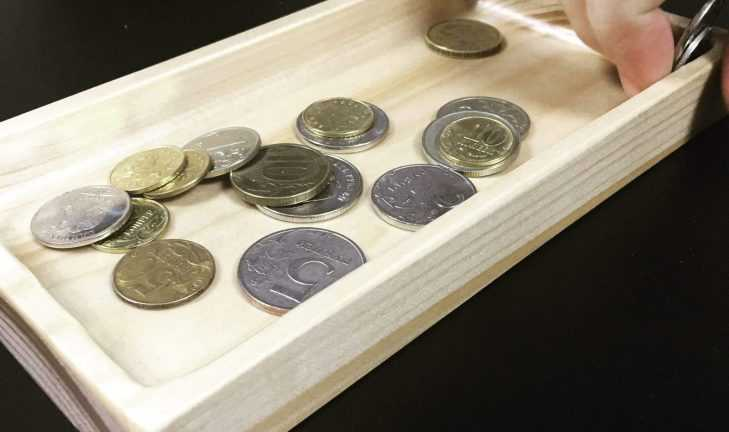 Деревянная монетница для супермаркета