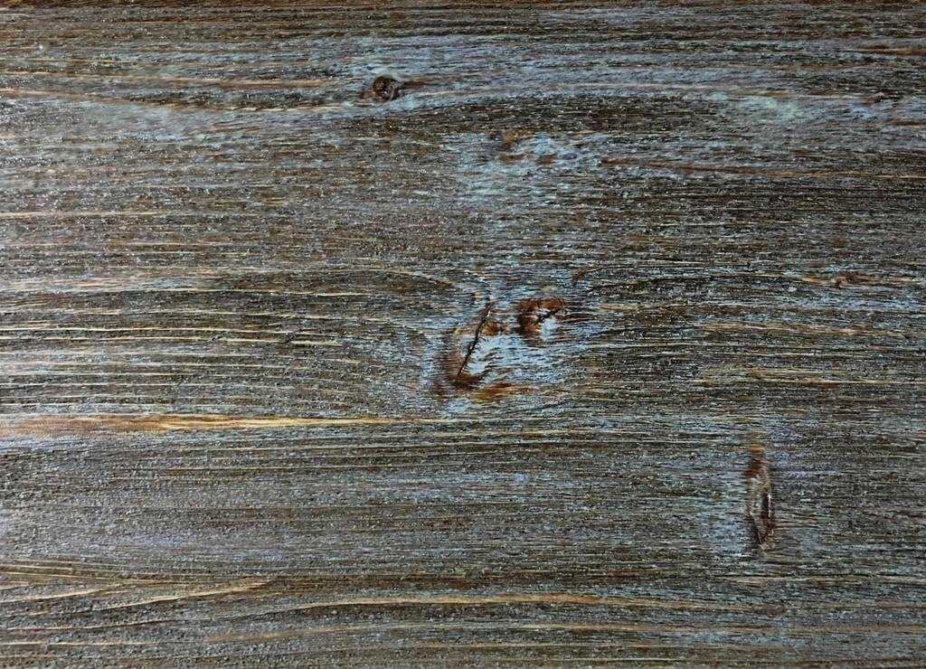 Покраска массива сосны
